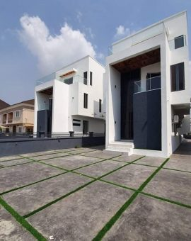 5 bedroom fully detached duplex for sale in Ikota Lekki with swimming pool